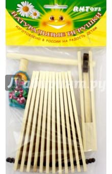 Музыкальный набор №2 с трещоткой (Д-676)Музыкальные инструменты<br>Музыкальный набор с трещоткой.<br>Цель музыкального наборе: развитие координации движений, воспроизведение шумовых эффектов.<br>Комплектность: 1 трещотка, 1 трещотка веерная, 1 свистулька.<br>Материал: дерево.<br>Упаковка: пакет с подвесом.<br>Для детей от 3 лет.<br>Сделано в России.<br>