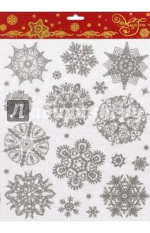 Украшение новогоднее оконное (38640)Аксессуары для праздников<br>Новогоднее оконное украшение.<br>Декорировано глиттером.<br>Размер: 30х38 см.<br>Предназначено: декор.<br>Материал: ПВХ пленка.<br>Сделано в Тайване.<br>