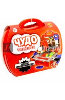 Чудо-чемоданчик. Игровой набор инструментов. 19 предметов (РТ-00457)Строительные инструменты<br>Игровой набор инструментов из серии Чудо-чемоданчик от производителя ABtoys.<br>Комплект состоит из 19 предметов.<br>Упаковка: пластиковый чемоданчик с ручкой.<br>Материал: пластмасса. <br>Изготовлено в Китае. <br>Предназначено для детей от трех лет.<br>