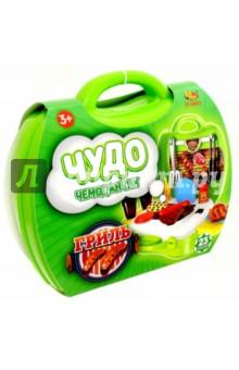 Чудо-чемоданчик. Игровой набор Гриль (РТ-00459)Наборы игрушечной посуды<br>Игровой набор Гриль из серии Чудо-чемоданчик от производителя ABtoys позволит ребенку на некоторое время ощутить себя владельцем настоящего гриля.<br>Комплект состоит из 23 предметов.<br>Упаковка: пластиковый чемоданчик с ручкой.<br>Материал: пластмасса. <br>Изготовлено в Китае. <br>Предназначено для детей от трех лет.<br>