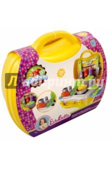 Кухонный набор в чемоданчике (65672)Наборы игрушечной посуды<br>EstaBella - это увлекательный мир игры, фантазии, воображения для маленькой девочки.<br>Kitchen от компании EstaBella - это набор в чемоданчике, который поможет скрасить досуг любой девочки. При помощи такого набора девочка сможет затеять приготовление какого-нибудь сложного блюда.<br>В комплекте: чемодан, плита, приборы, продукты.<br>26 элементов. <br>Не рекомендовано детям младше 3-х лет. Содержит мелкие детали. <br>Для детей от 3-х лет<br>Материал пластмасса, бумага.<br>Сделано в Китае.<br>