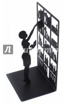 Держатель для книг The Library (26530)Подставки для книг<br>Дизайнерский держатель для книг The Library станет хорошим подарком любителю литературы или поможет хранить собственные книги. Он представляет собой простую, но в то же время очень привлекательную вещь. Его украшает небольшая фигурка человека, который тянется к книгам на верхней полке. Такой аксессуар хорошо подчеркивает тягу к знаниям, служит неплохим украшением интерьера в спальной комнате или кабинете.<br>- Яркое и необычное оформление с глубоким смыслом.<br>- Износостойкое покрытие металла.<br>- Высокое качество проработки и прочность всей конструкции.<br>