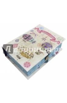 Коробка подарочная Новогодние воздушные шары (75025)Другое<br>Коробка подарочная.  <br>Материал: мелованного, ламинированного, негофрированного картона плотностью 1100 г/м2<br>Полноцветный декоративный рисунок на внутренней и наружной части<br>Размер 20 х 14 х 6 см.<br>Сделано в Китае.<br>
