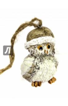 Украшение елочное Совенок в колпаке (75146)Новогодние сувениры<br>Украшение новогоднее подвесное.<br>Размер:  3,5x3,5x5 см.<br>Материал: полирезина. <br>Сделано в Китае.<br>