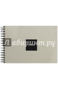Скетчбук (62 листа, А4, гребень, черная бумага) (440960)Блокноты (нестандартный формат)<br>Скетчбук с черной бумагой.<br>62 листа плотной гладкой бумаги 160 г/м2, крепление на большую черную пружину. Лицевая и задняя обложка (подложка) выполнена из очень плотного переплетного картона серого цвета толщиной 2,5 мм.<br>Сделано в России.<br>