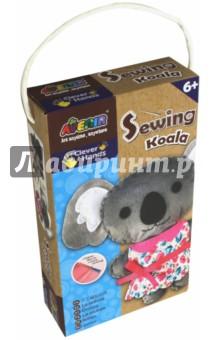 Набор для шитья Коала (CH1376)Шитье, вязание<br>Набор для детского творчества.<br>В наборе: вырезанные заготовки из ткани, вырезанные заготовки из войлока, материал для набивки, безопасная игла, цветная пряжа, инструкция.<br>Размер готовой игрушки: 22х14 см.<br>Для детей от 6-ти лет.<br>Не предназначено для детей младше 3-х лет! Набор содержит мелкие детали, которые представляют опасность при попадании в дыхательные пути ребенка.<br>Сделано в Китае.<br>