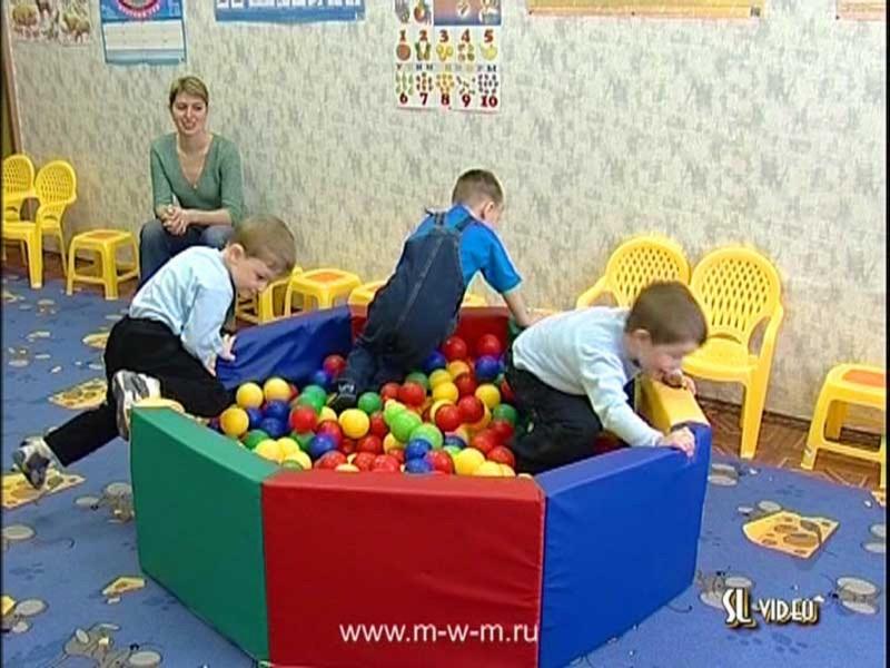Иллюстрация 1 из 21 для Физкультминутки. Игровая гимнастика для детей 1,5-4 лет (DVD) | Лабиринт - видео. Источник: Лабиринт