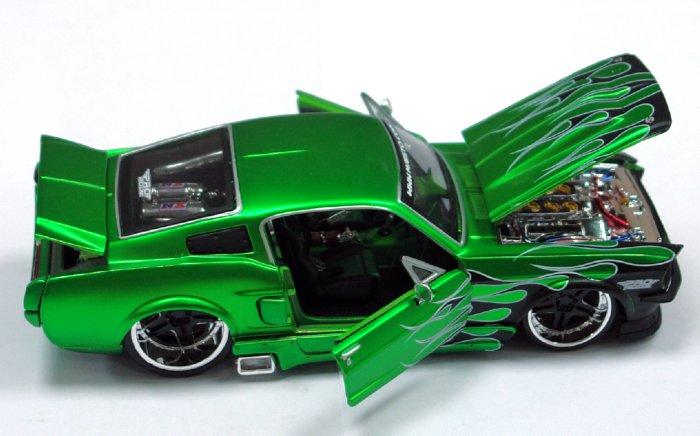 Иллюстрация 1 из 3 для Форд Мустанг GT 1967 1:24 (39094)   Лабиринт - игрушки. Источник: Лабиринт