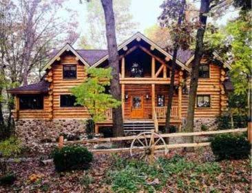 Иллюстрация 1 из 7 для Классика деревянного дома - Роббин Обомсавин | Лабиринт - книги. Источник: Лабиринт