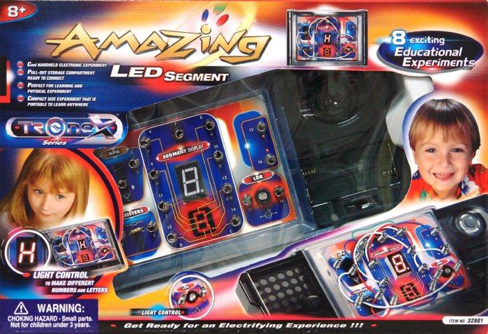 Иллюстрация 1 из 2 для Набор со светофором (8 в 1) (32801) | Лабиринт - игрушки. Источник: Лабиринт