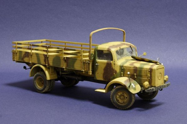 Иллюстрация 1 из 7 для Немецкий тяжелый грузовик L4500 A времен второй мировой войны | Лабиринт - игрушки. Источник: Лабиринт