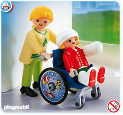 Иллюстрация 1 из 5 для Маленький пациент в кресле-коляске (4407)   Лабиринт - игрушки. Источник: Лабиринт