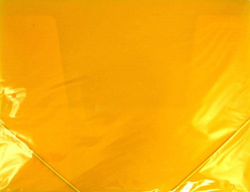 Иллюстрация 1 из 5 для Папка пластиковая (на резинке, желтая) (221800) | Лабиринт - канцтовы. Источник: Лабиринт