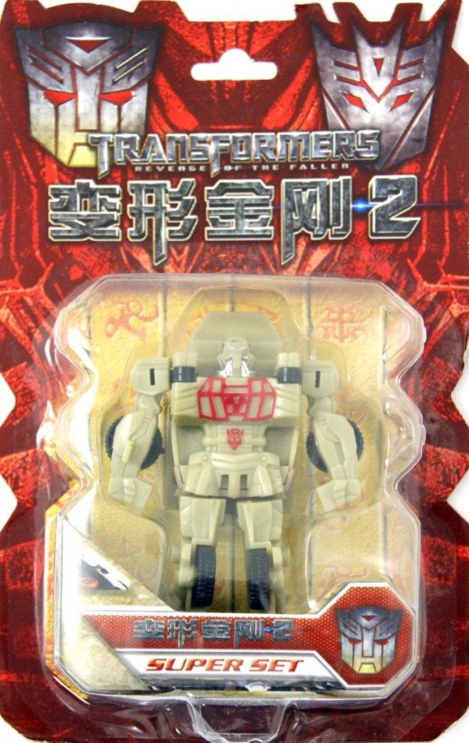 Иллюстрация 1 из 3 для Трансформер Autobot Ratchet (D398756/2009)   Лабиринт - игрушки. Источник: Лабиринт